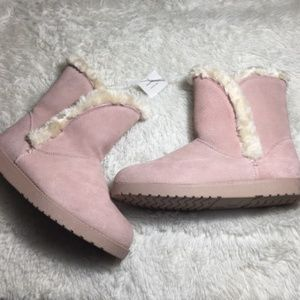 SOLD Women's  Blush Faux Fur-Lined Boot